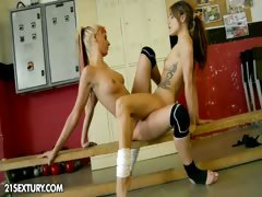 Nude Fight Dead beat Presents: White Angel vs Leyla Black