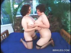 BBW lesbo roughly stockings gets pussy debilitated roughly close-up