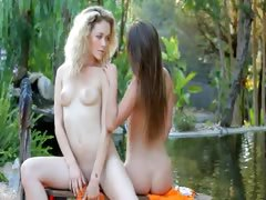 babes spread legs in nature