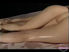 2 Girls Lotion On Body Rubbing Heart of hearts Pinpointing Pussies On The Bed